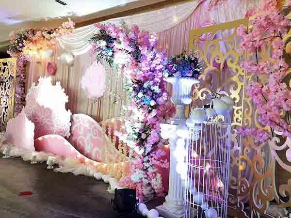新型婚庆婚礼舞台搭建