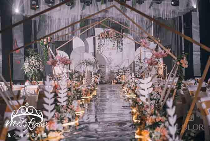 专业婚庆婚礼舞台搭建