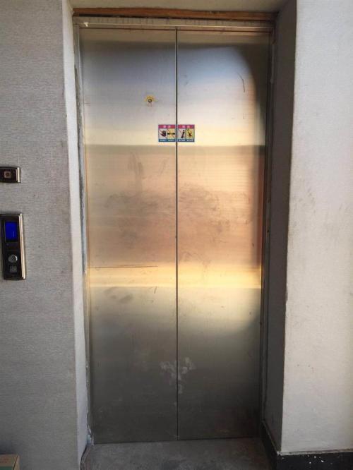 仓井空成人小�_驻马店正规扶梯回收拆除 保定垚鑫电梯回收