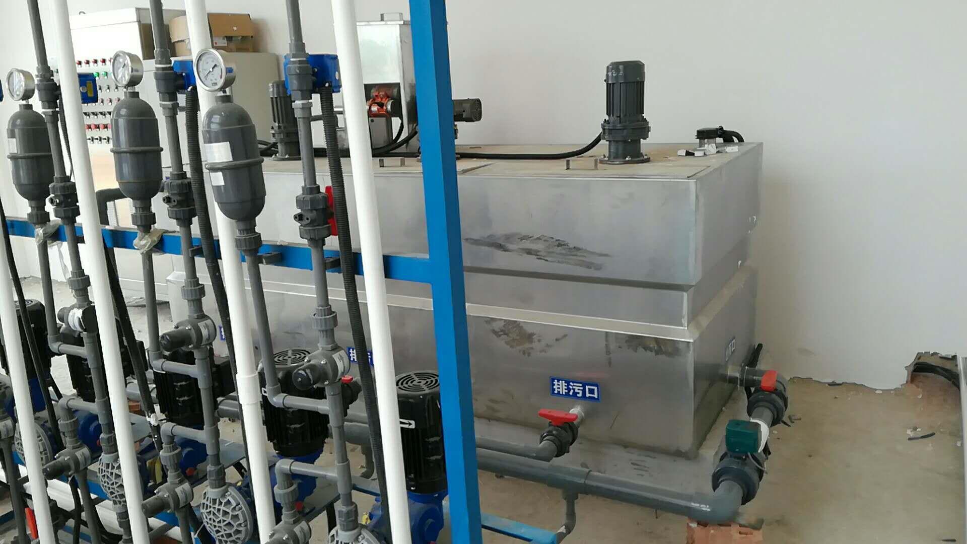 郑州三箱式加药装置销售价格