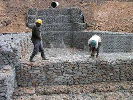 锌铝合金石笼网挡土墙