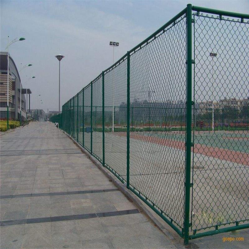 专业订制球场护栏生产厂家