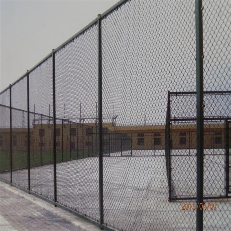 专业生产球场护栏生产厂家