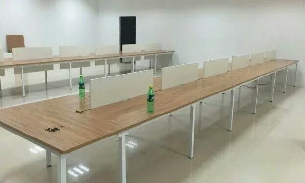 新乡电脑桌定做 屏风隔断办公桌 员工工位桌,办公台厂家