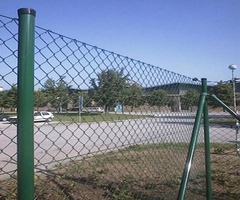 足球场勾花网制造商