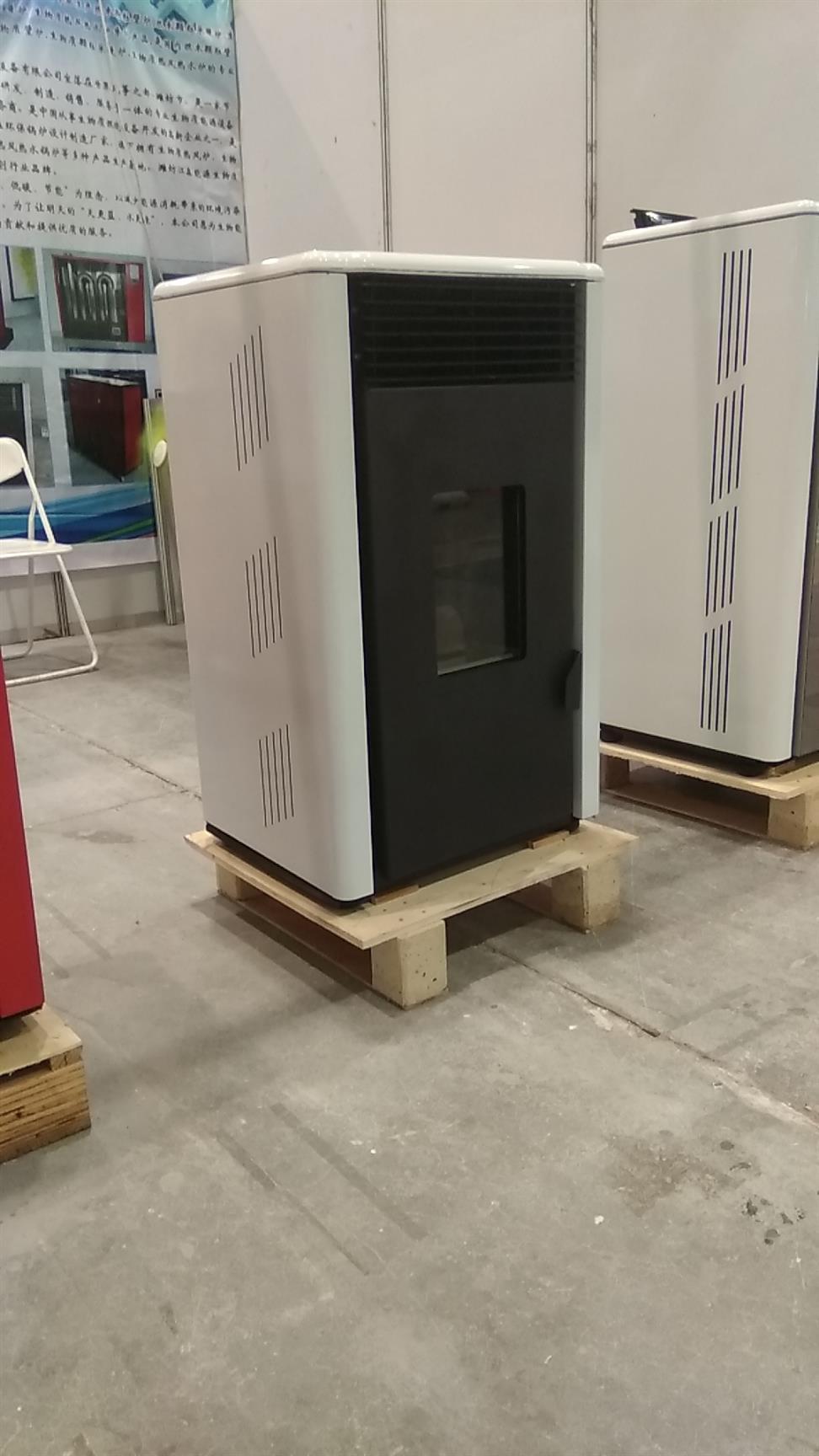 大庆生物质颗粒真火壁炉定制 生物质颗粒取暖炉 比煤炉更安全