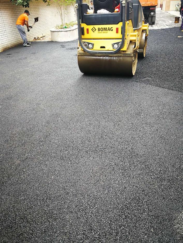 小区道路改造沥青路面