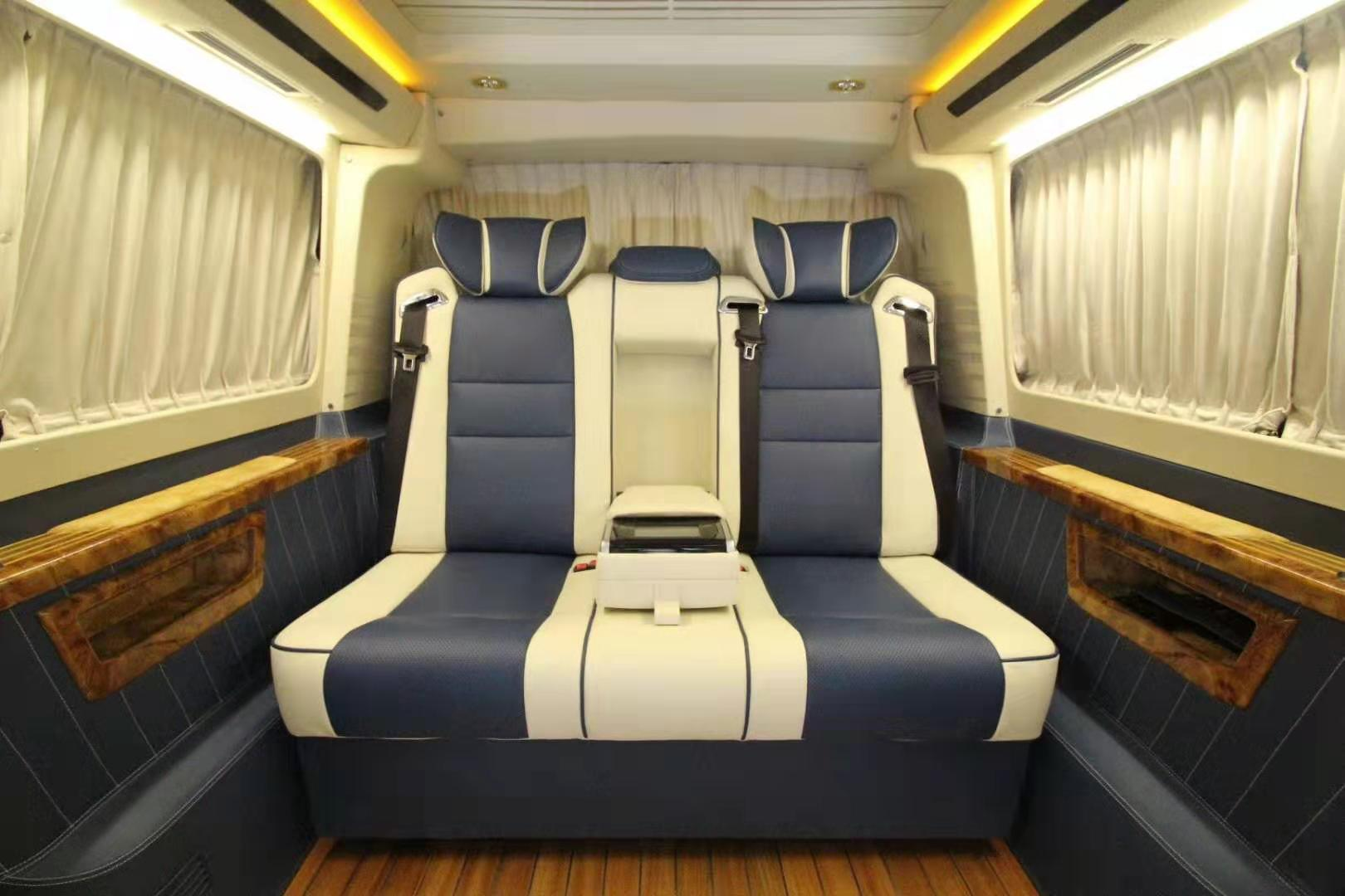 江苏大众凯路威内饰改装升级航空座椅