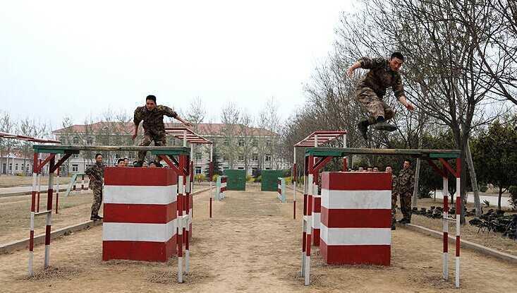 济宁部队训练用400米障碍器材生产厂家 400米障碍 尺寸精准